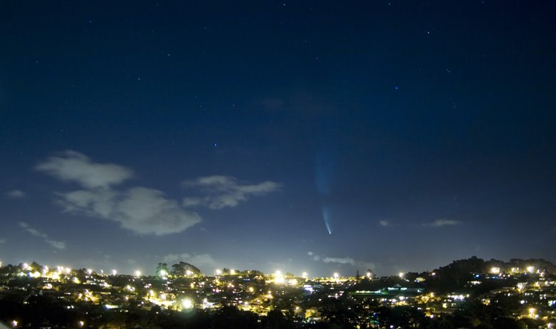 The comet McNought above Auckland