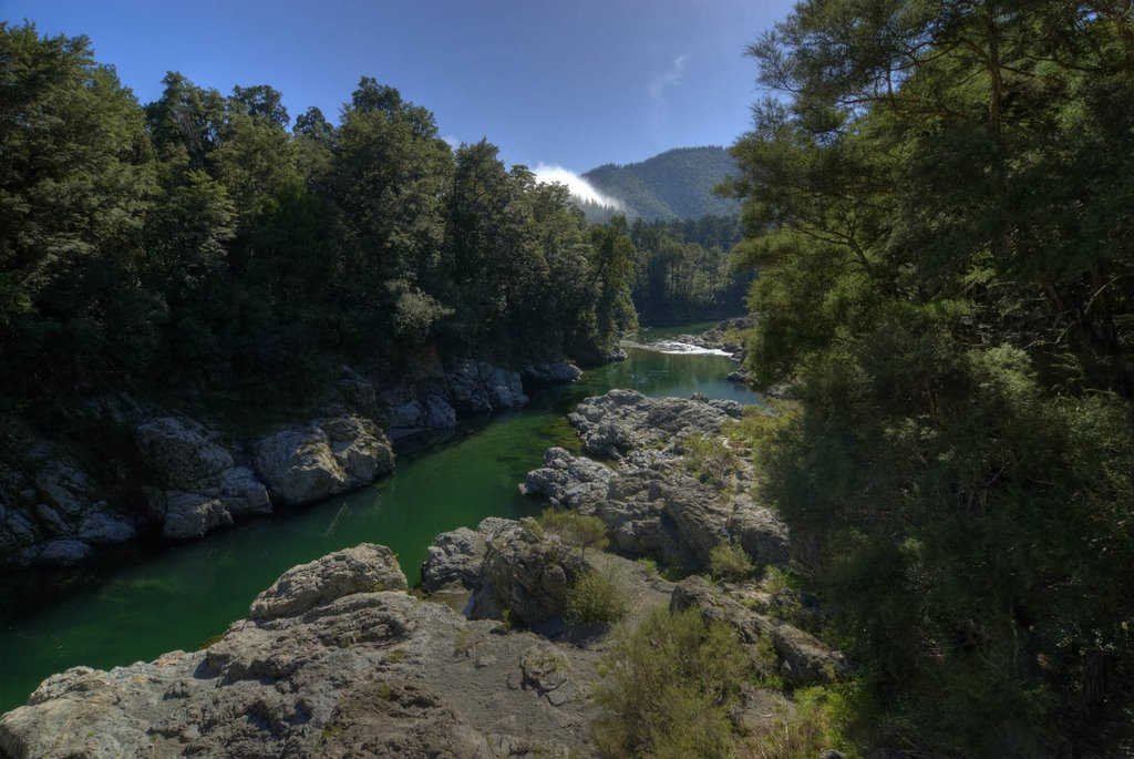 Pelorus Pool (High Dynamic Range)