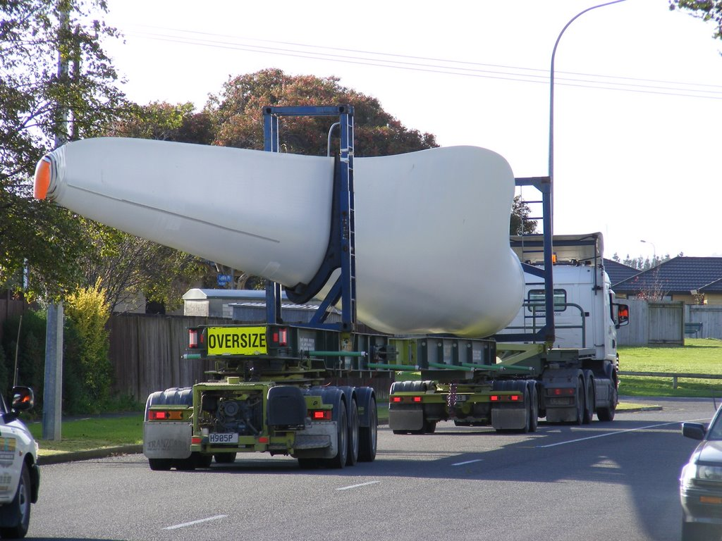 Wind turbine rotor blade on truck in Palmerston North, NZ