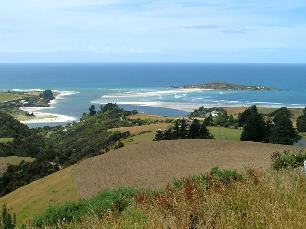 Above Taieri Mouth and Moturata Island - road to Waihola