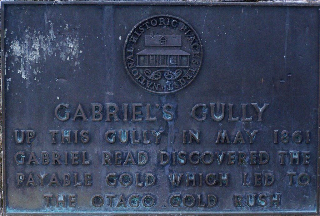 Plaque on the Gabriels Gully Monument to the Historical Gold Prospecting Era