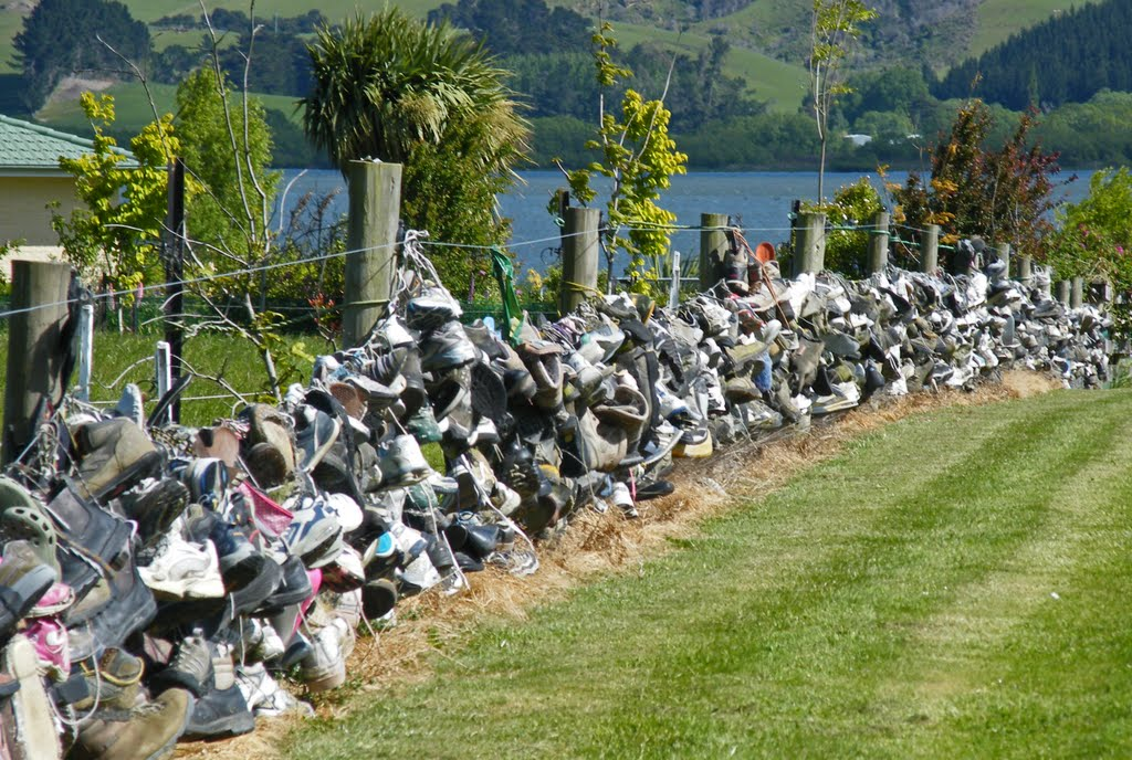 The Fence of Shoes