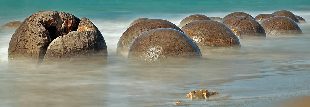 The mystical Moeraki Boulders,part I