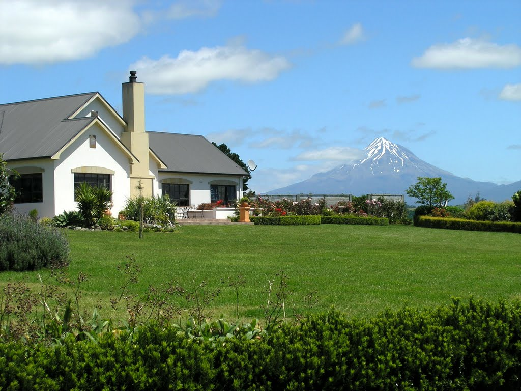 The house with a view - holiday house in Lepperton with view of Mt. Taranaki