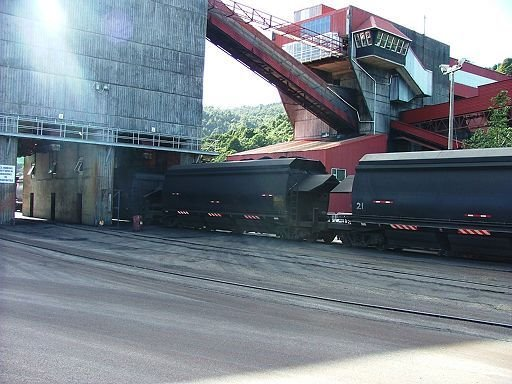 train coal loader at Ngakawau