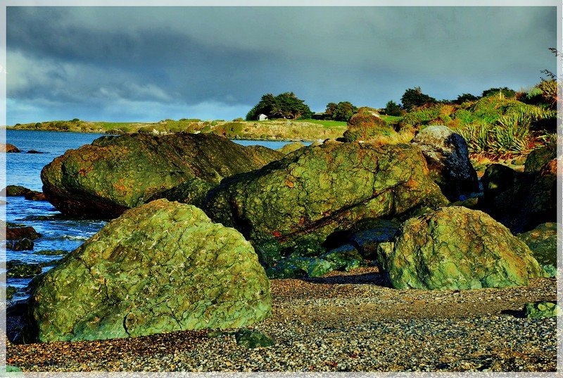 Riverton - Rock Beach (green rocks)